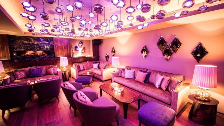 The Stunning Interior Design of the Luxury Restaurant Nikkei Nine | www.bocadolobo.com #interiordesign #homedecorideas #decorations #homedecor #luxurybrands #luxuryrestaurants #exclusivedesign #restaurants #luxury @homedecorideas luxury restaurant The Stunning Interior Design of the Luxury Restaurant Nikkei Nine The Stunning Interior Design of the Luxury Restaurant Nikkei Nine 4 1