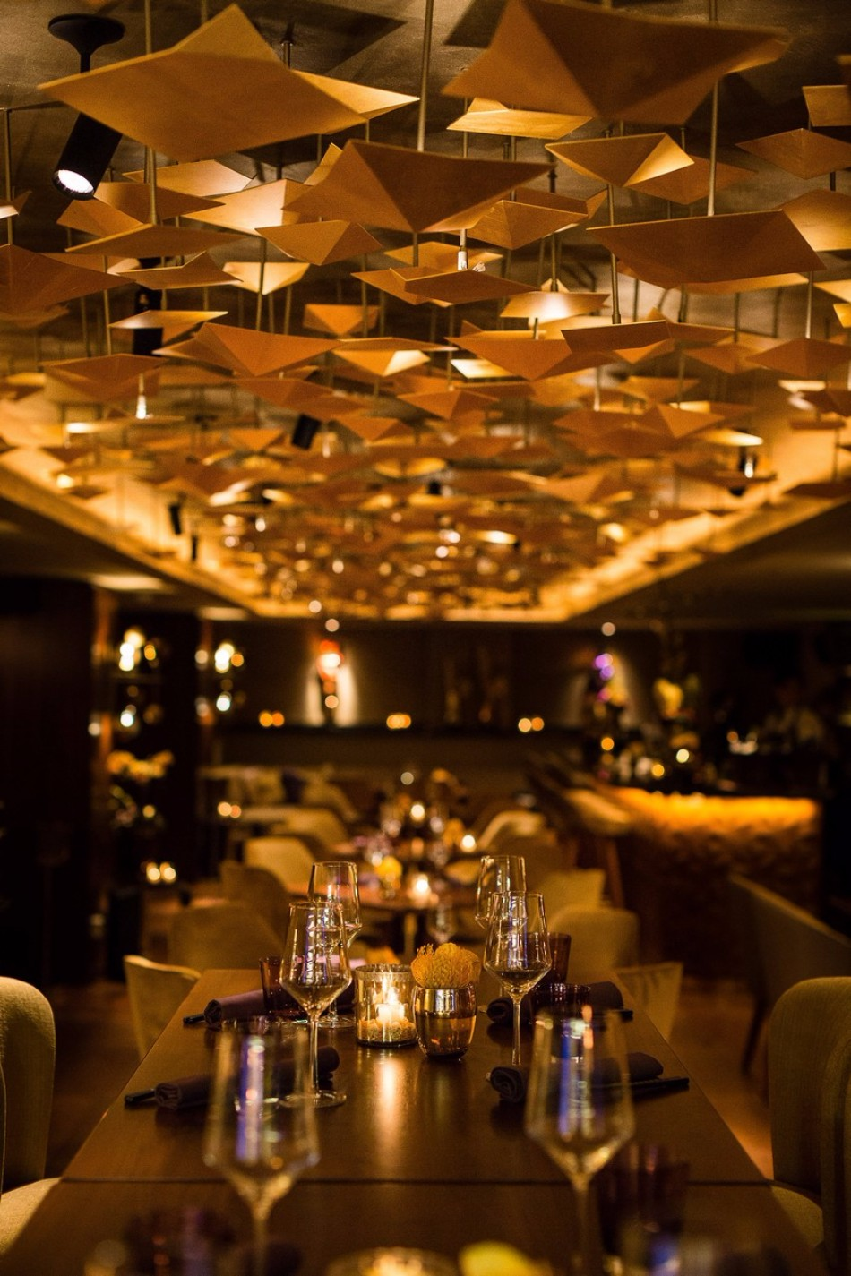 The Stunning Interior Design of the Luxury Restaurant Nikkei Nine | www.bocadolobo.com #interiordesign #homedecorideas #decorations #homedecor #luxurybrands #luxuryrestaurants #exclusivedesign #restaurants #luxury @homedecorideas