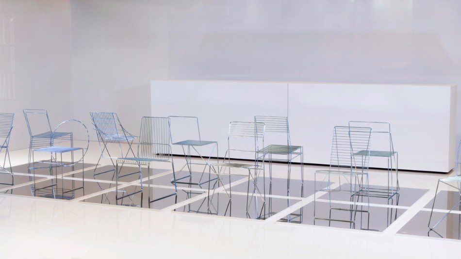 University Students Design Chairs Using Only Steel Rods | www.bocadolobo.com #diningchairs #moderndiningtable #diningtables #diningroom #thediningroom #diningarea #exclusivedesign #productdesign @moderndiningtables