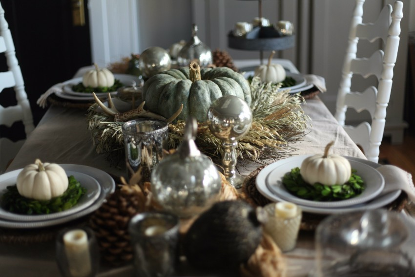 The Best Dining Table Décor Ideas For Thanksgiving thanksgiving The Best Dining Table Décor Ideas For Thanksgiving green pumpkin
