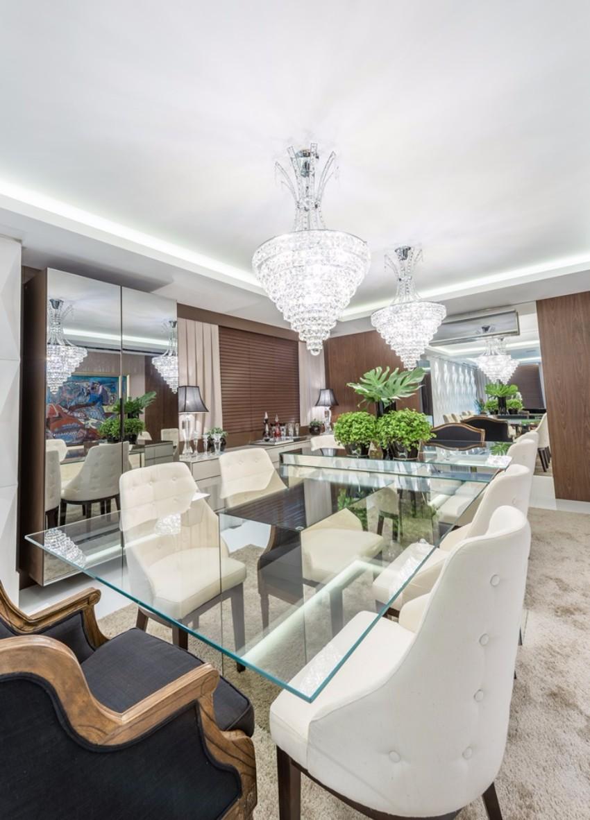 top interior designer 10 Beautiful Dining Room Ideas by Top Interior Designer Gérard Faivre plaza monet