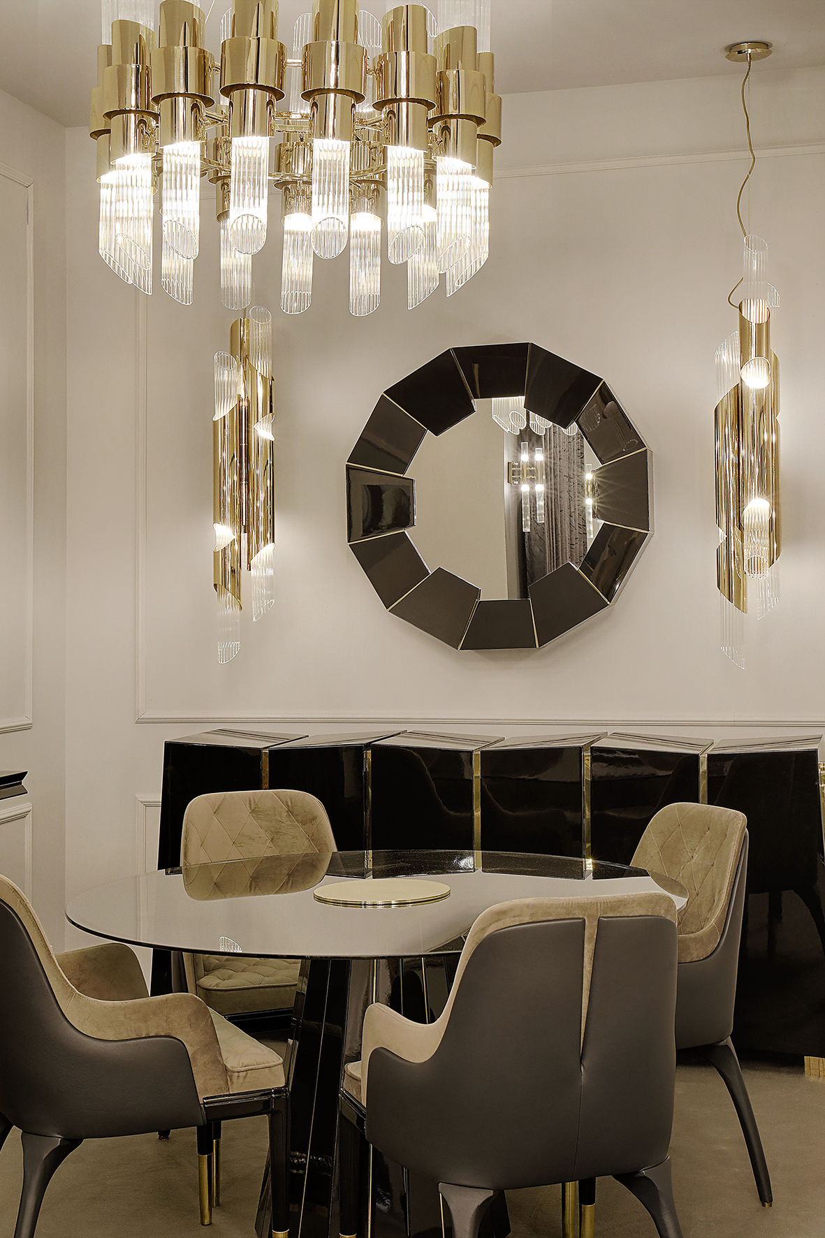 dining room How to Decorate The Dining Room With Luxury Mirrors 11 How to Decorate The Dining Room With Luxury Mirrors