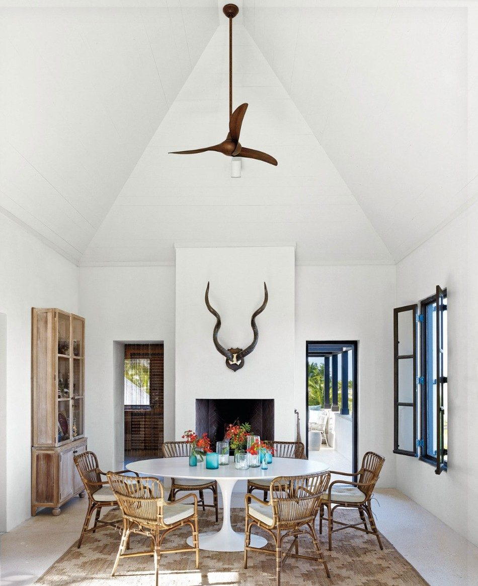 Outstanding Dining Room Ideas by 2018's AD100 Designers | www.moderndiningtables #moderndiningtables #diningroom #diningarea #interiordesign #exclusivedesign #interiordesigners #ad100 #topinteriordesigners @moderndiningtables dining room decor Outstanding Dining Room Decor Ideas by 2018's AD100 Designers Outstanding Dining Room Decor Ideas by 2018   s AD100 Designers 1 e1513878698835