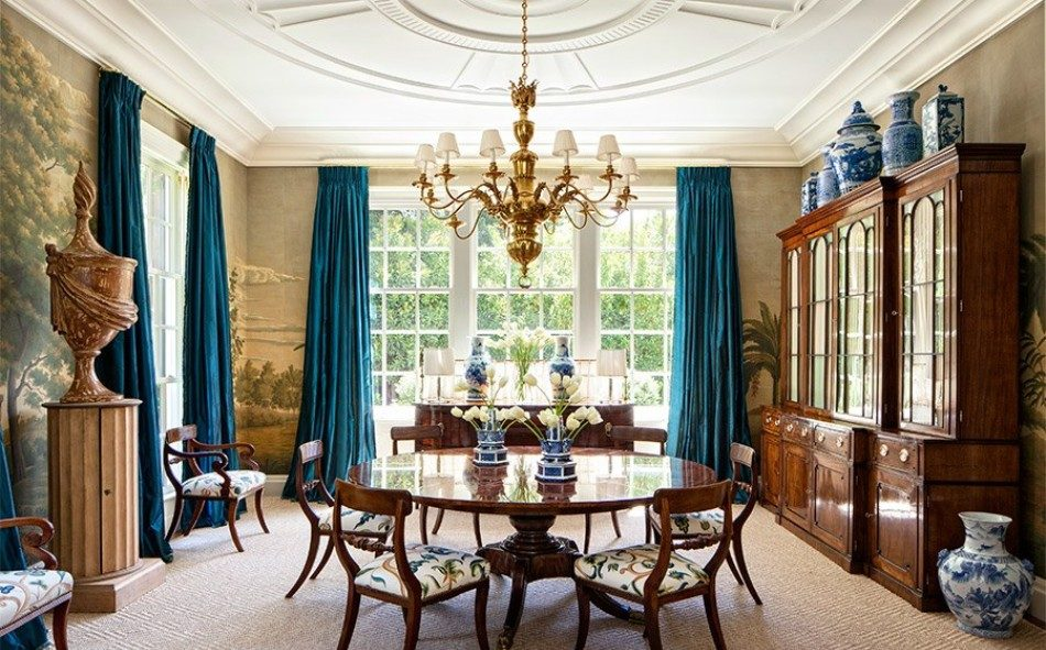 Outstanding Dining Room Ideas by 2018's AD100 Designers | www.moderndiningtables #moderndiningtables #diningroom #diningarea #interiordesign #exclusivedesign #interiordesigners #ad100 #topinteriordesigners @moderndiningtables dining room decor Outstanding Dining Room Decor Ideas by 2018's AD100 Designers Outstanding Dining Room Decor Ideas by 2018   s AD100 Designers 6 e1513878752508