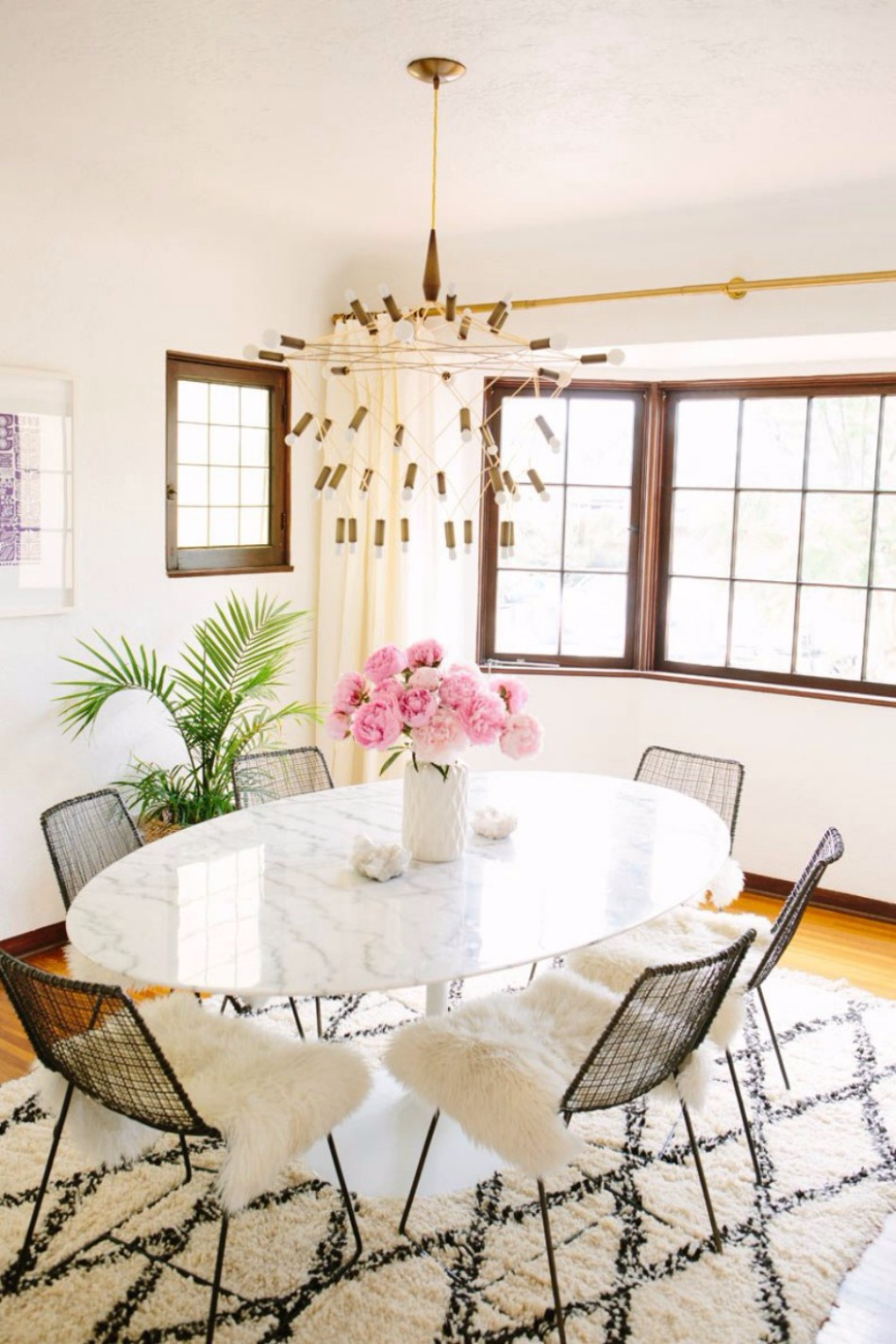 Top 10 Dining Room Decor Trends for 2018 | www.bocadolobo.com #moderndiningrooms #diningroom #diningtables #tables #trends #2018trends @moderndiningtables dining room decor Top 10 Dining Room Decor Trends for 2018 Top 10 Dining Room Decor Trends for 2018 1