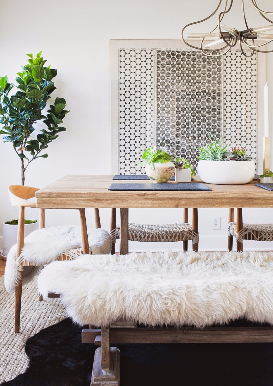Top 10 Dining Room Decor Trends for 2018 | www.bocadolobo.com #moderndiningrooms #diningroom #diningtables #tables #trends #2018trends @moderndiningtables dining room decor Top 10 Dining Room Decor Trends for 2018 Top 10 Dining Room Decor Trends for 2018 9