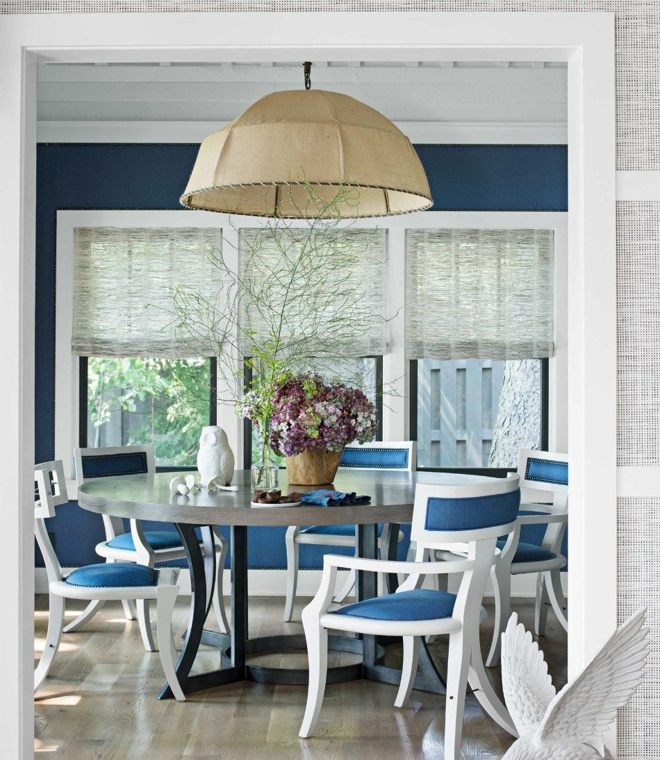 How to Choose Your Dining Room Color for 2018 | www.bocadolobo.com #moderndiningtables #diningroom #thediningroom #diningarea #diningdesign #roomdesign #colours #roomcolors @moderndiningtables Dining Room Color How to Choose Your Dining Room Color for 2018 How to Choose Your Dining Room   s Color for 2018 4 e1515502416790
