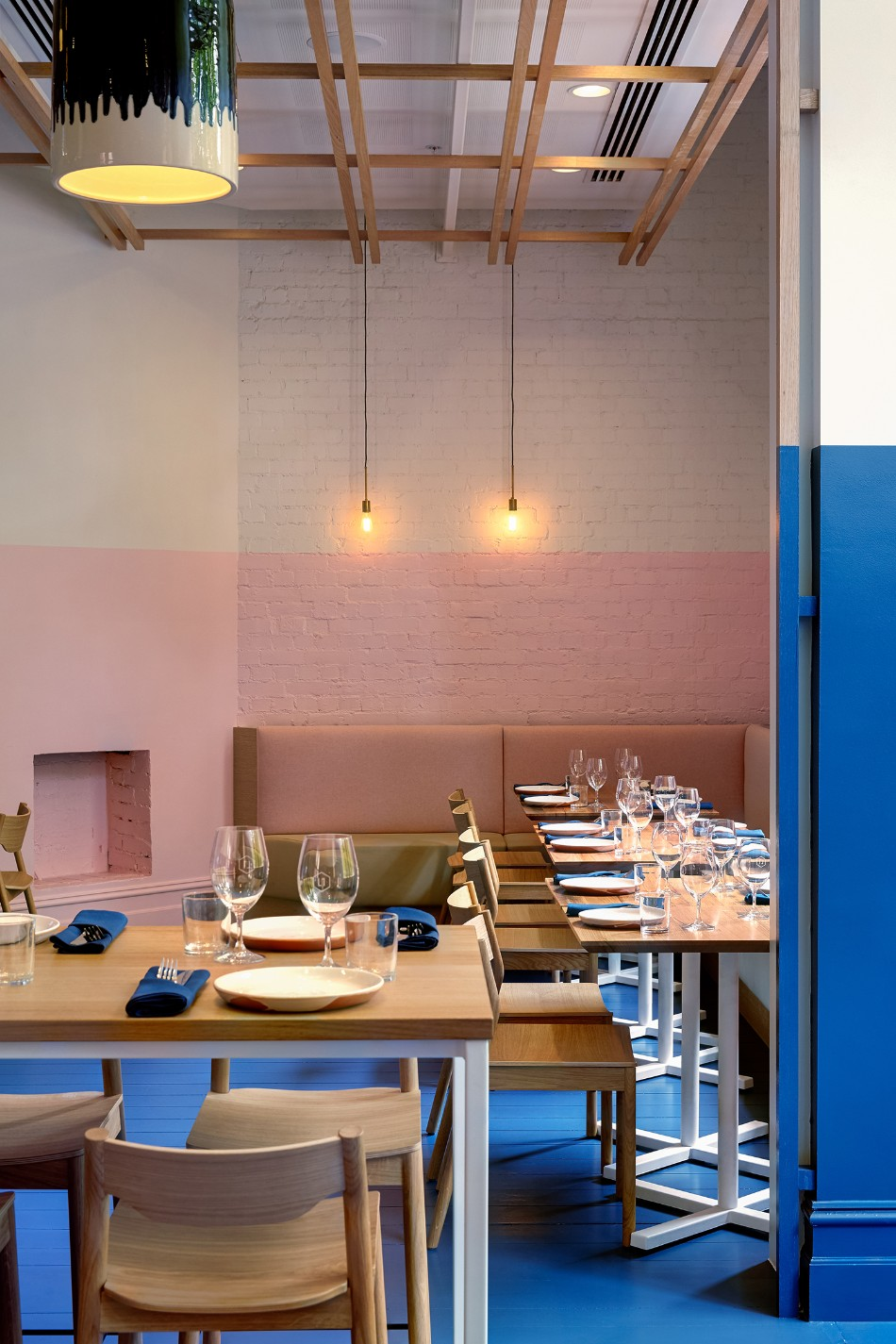 The Innovative Electric Blue Dining Room by Studio Gram | www.bocadolobo.com #moderndiningtables #diningroom #diningarea #thediningroom #restaurants #restaurantdesign @moderndiningtables