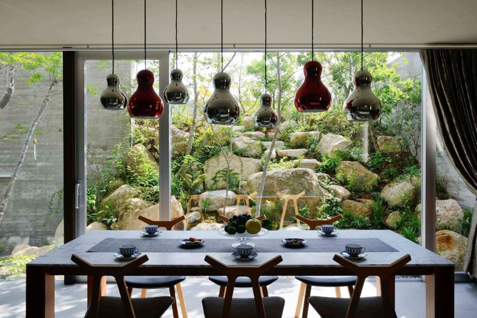 10 Tables Ideas For a Modern Family | www.bocadolobo.com #moderndiningtables #diningtables #diningroom #thediningroom #roomdesign #interiordesign @moderndiningtables Dining Tables 14 Dining Tables Ideas For a Modern Family 10 Dining Tables Ideas For a Modern Family 7