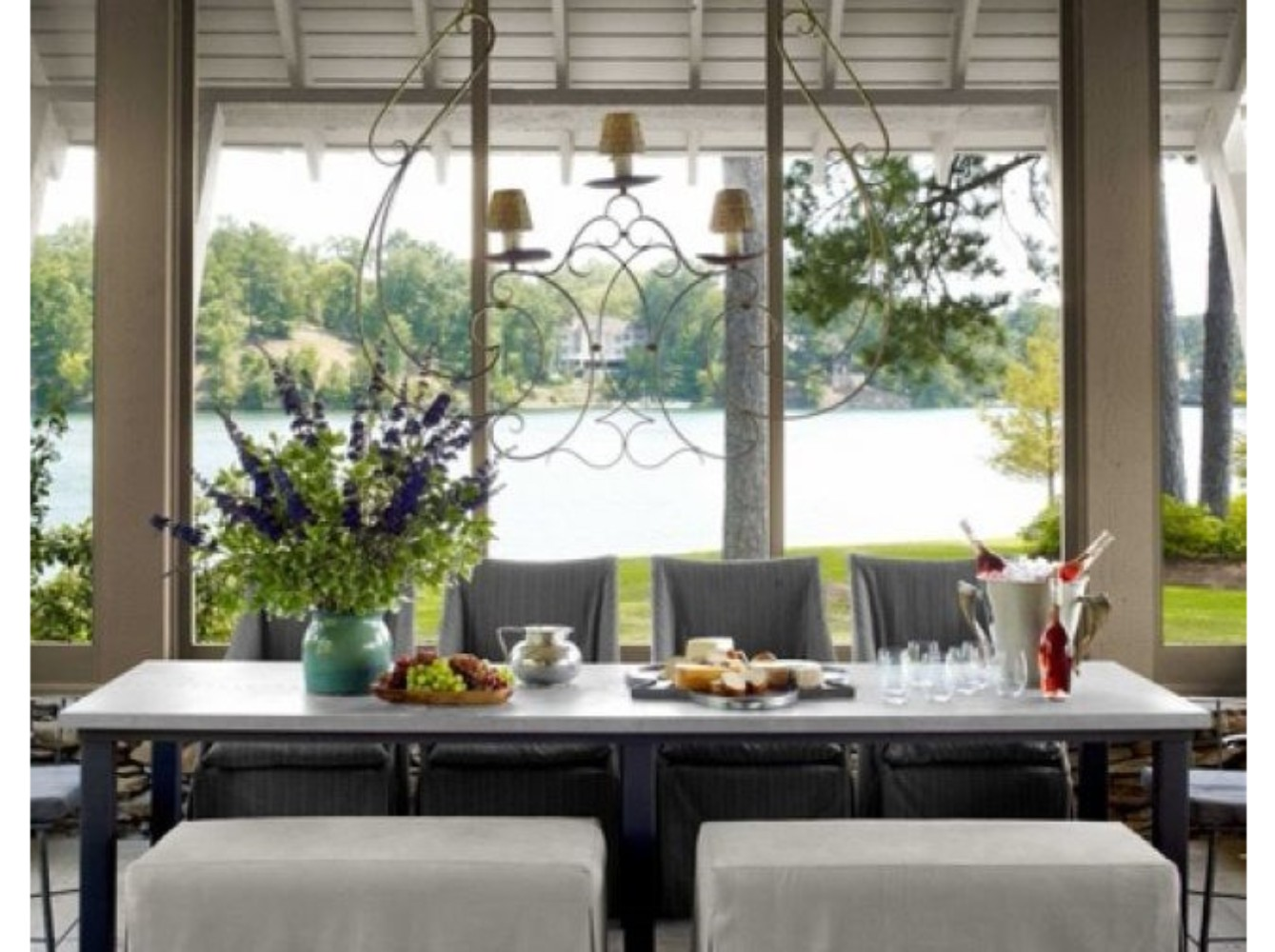 10 Different Ways to Make A Statement in Your Dining Room