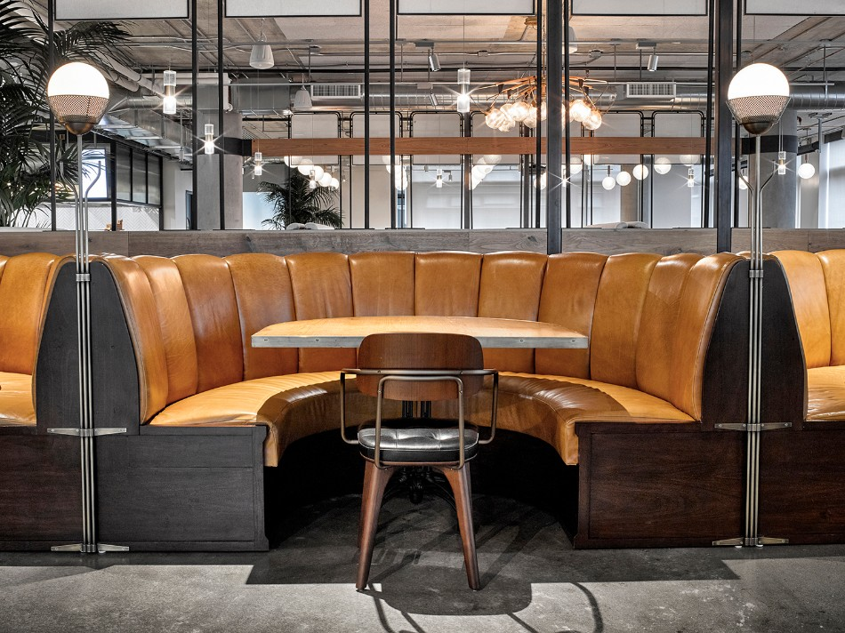 The Brilliant Design of The Dropbox Cafeteria | www.bocadolobo.com #moderndiningtables #diningtables #diningroom #thediningroom #diningarea @moderndiningtables interior design The Brilliant Interior Design of The Dropbox Cafeteria The Brilliant Interior Design of The Dropbox Cafeteria 10