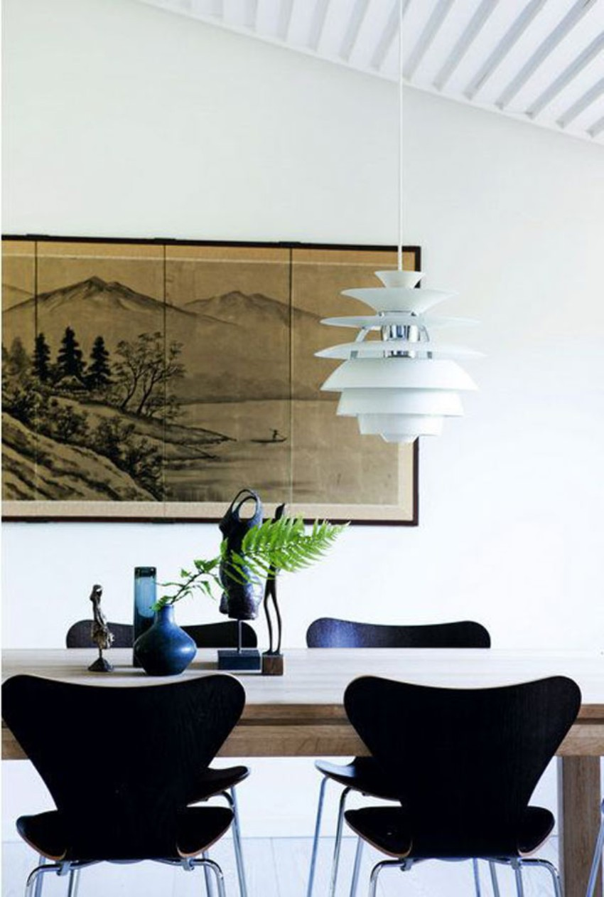 Astonishing Dining rooms with Statement Chandeliers to Inspire You