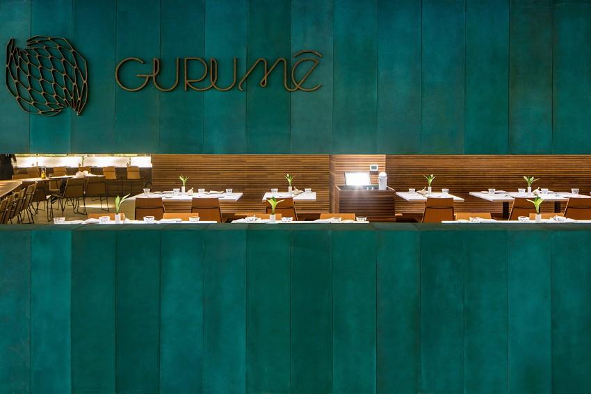 Sushi Bar: Modern dining tables in Rio de Janeiro