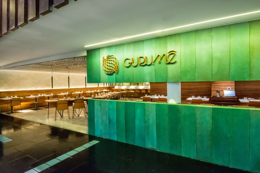 modern dining tables Sushi Bar: Modern Dining Tables In Rio De Janeiro gurume 2