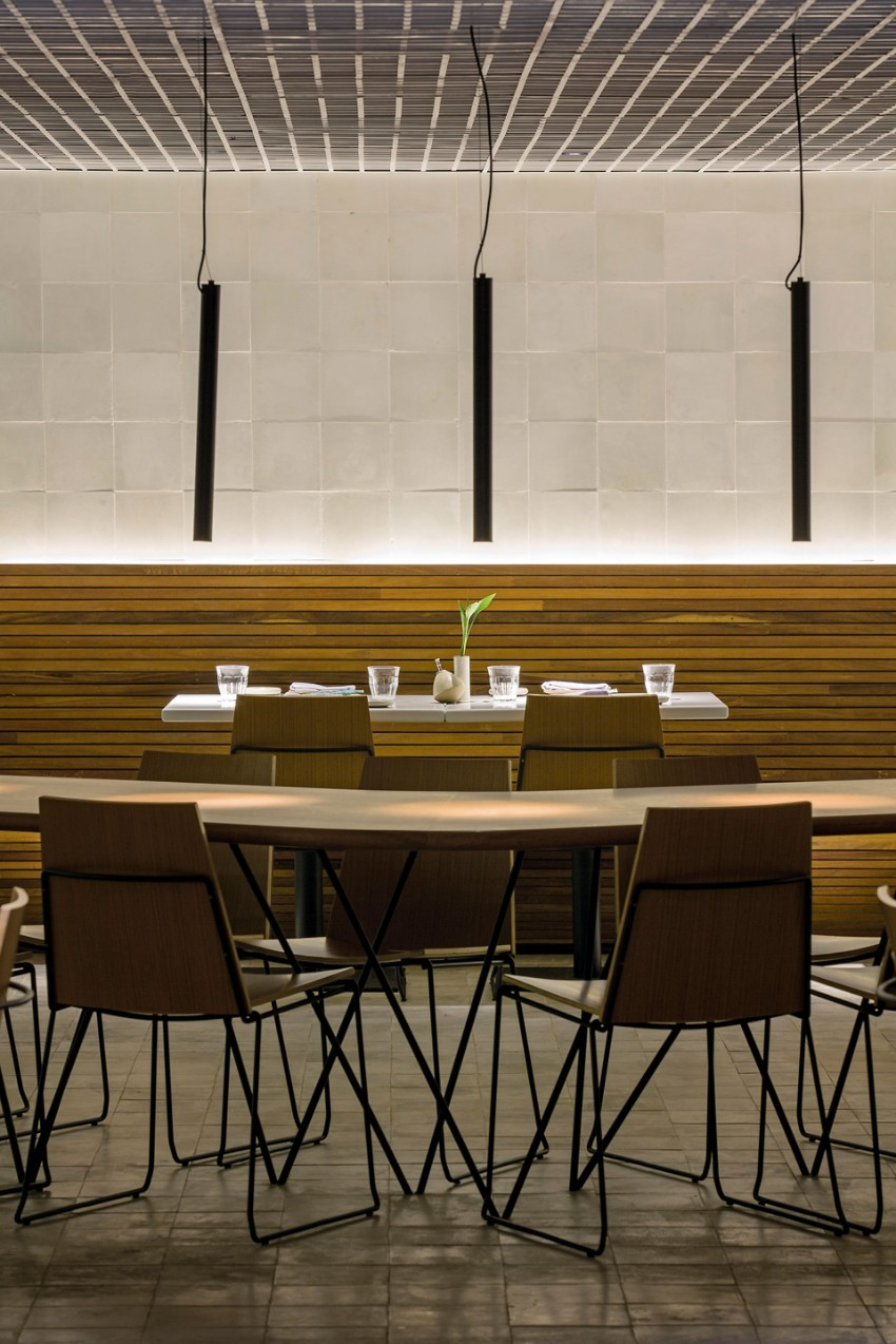modern dining tables Sushi Bar: Modern Dining Tables In Rio De Janeiro gurume 9