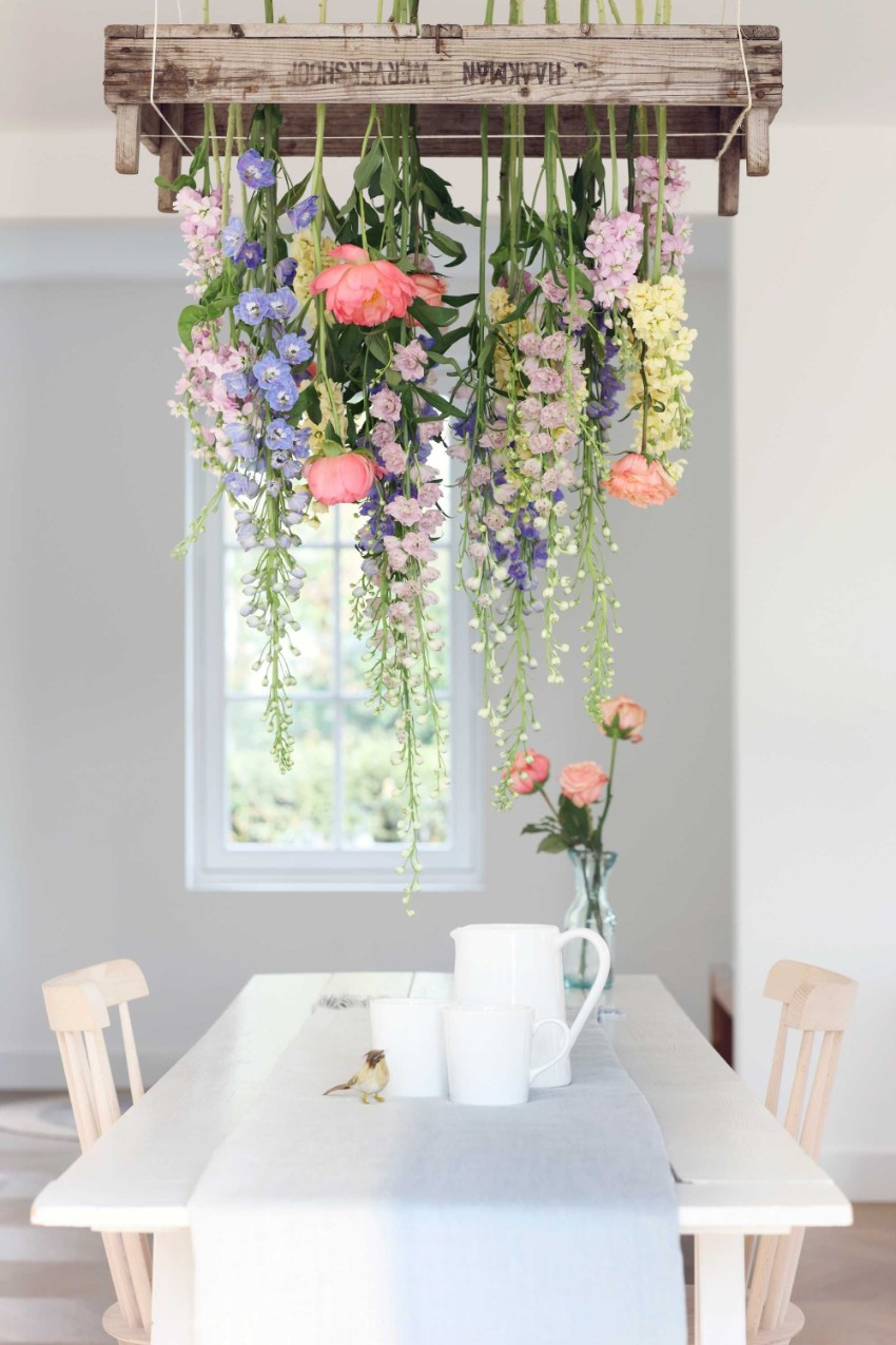 floral chandeliers Spring Fever with Trendy Floral Chandeliers in Your Dining Room 8 Spring Fever with Trendy Floral Chandeliers in Your Dining Room