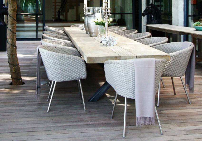 10 Elegant Outdoor Dining Areas To Inspire You This Summer outdoor dining 10 Elegant Outdoor Dining Areas To Inspire You This Summer 2 10 Elegant Outdoor Dining Areas To Inspire You This Summer