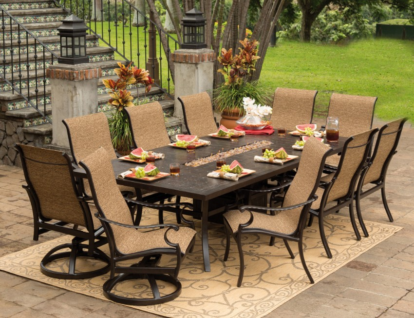 10 Elegant Outdoor Dining Areas To Inspire You This Summer outdoor dining 10 Elegant Outdoor Dining Areas To Inspire You This Summer 4 10 Elegant Outdoor Dining Areas To Inspire You This Summer