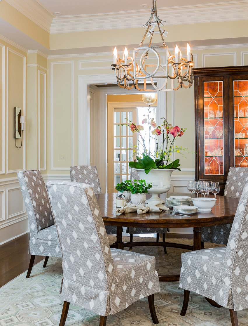 dining room Stunning Lighting Pieces for Your Dining Room 6 Nicole Hogarty