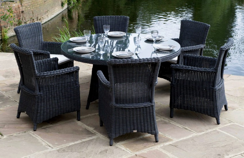 outdoor dining 10 Elegant Outdoor Dining Areas To Inspire You This Summer 8 10 Elegant Outdoor Dining Areas To Inspire You This Summer