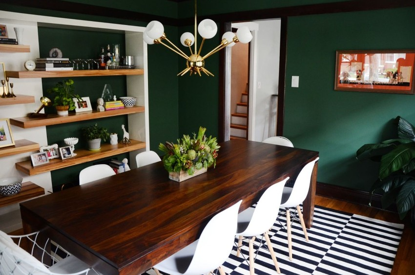 Dark Walls That Add Coziness to Any Dining Area