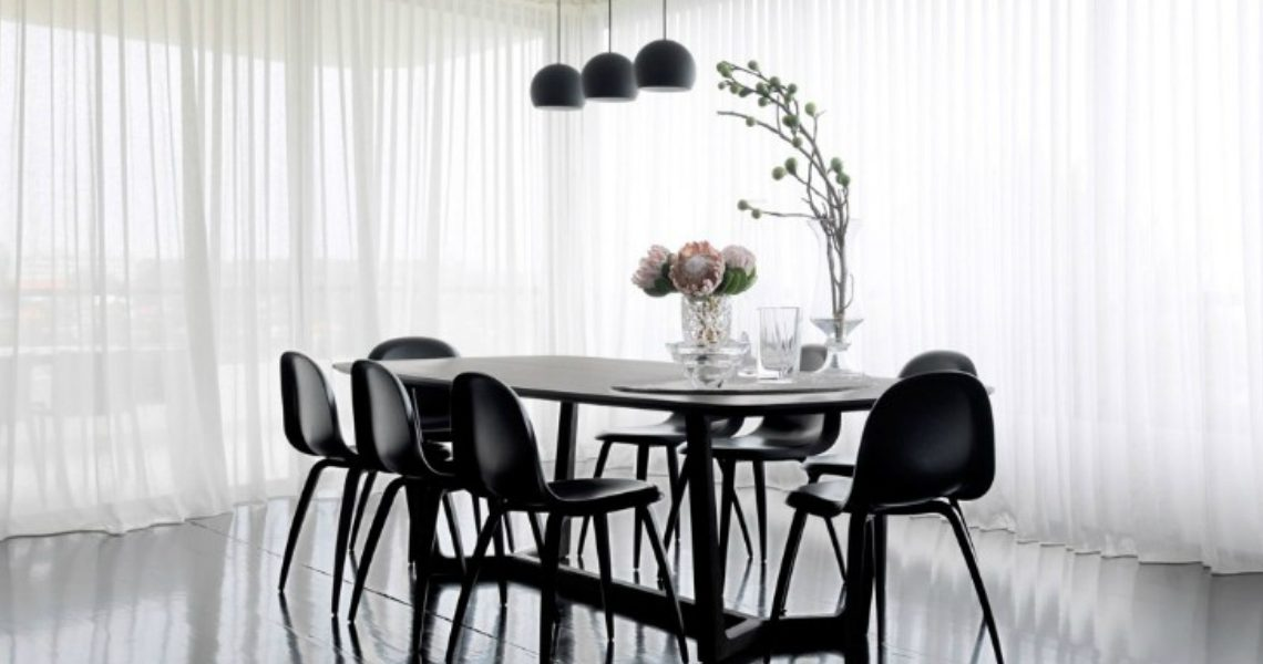 What a Simple Piece of Art Can Do for a Luxury Dining Room