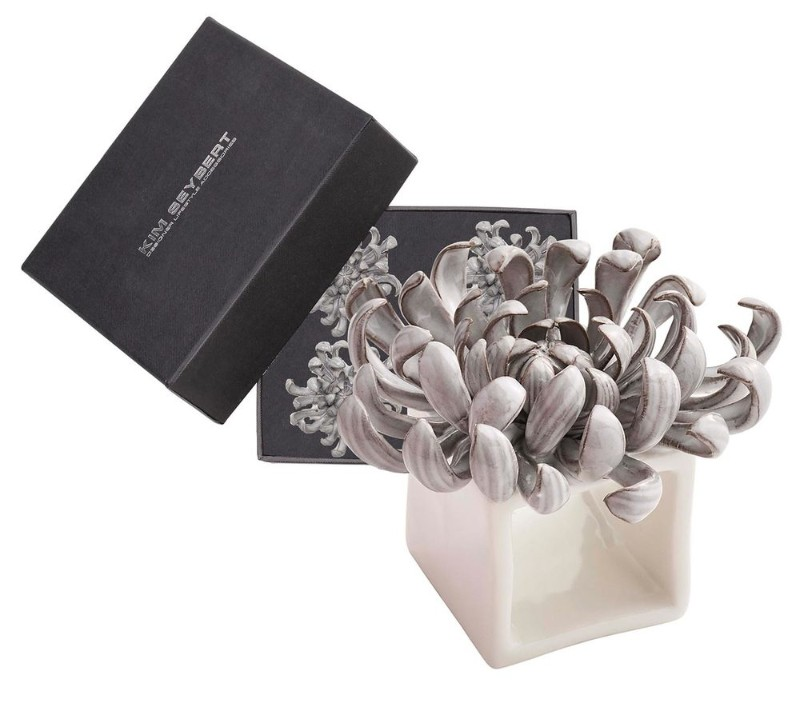 dining table Adorn Your Dining Table with These Luxury Napkin Rings Kim Seybert