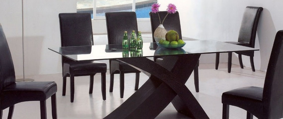 10 Fantastic Modern Dining Table Centerpieces Ideas: to see more great ideas visit us at www.moderndiningtables.net #diningtables #moderndiningroom #diningtables