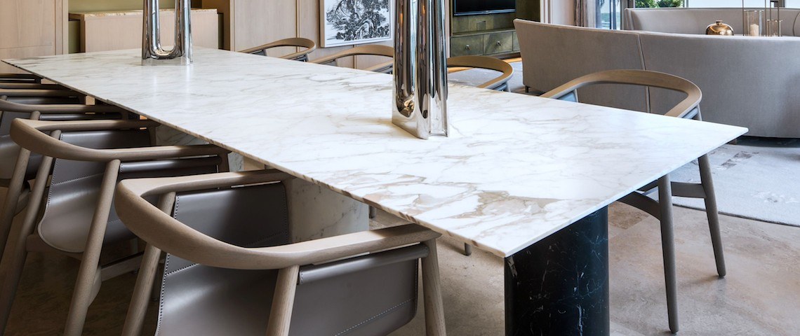 10 Extraordinary Dining Room Ideas with Marble Dining Tables ➤ Discover the season's newest designs and inspirations. Visit us at www.moderndiningtables.net #diningtables #homedecorideas #diningroomideas @ModDiningTables