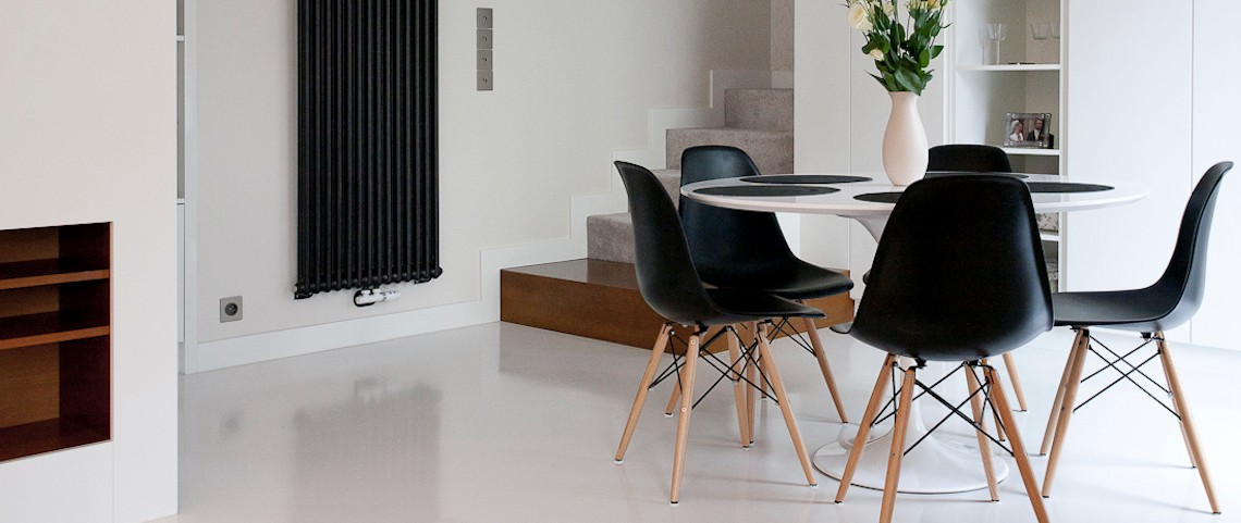 10 Modern Black and White Dining Room Sets That Will Inspire You ➤ Discover the season's newest designs and inspirations. Visit us at www.moderndiningtables.net #diningtables #homedecorideas #diningroomideas @ModDiningTables