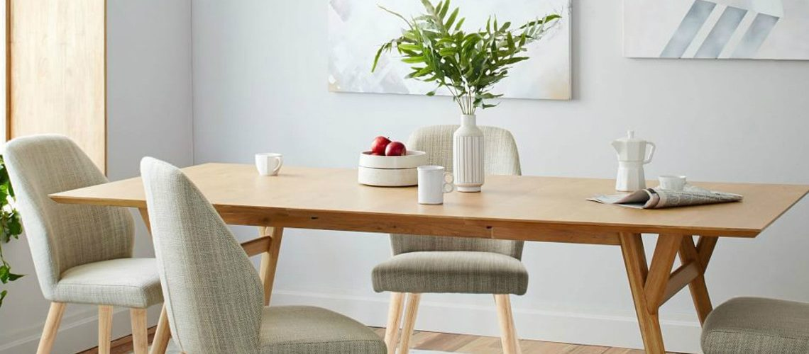 oak dining table 10 Oak Dining Tables that you need for your Dining Room 1111 1 1140x500