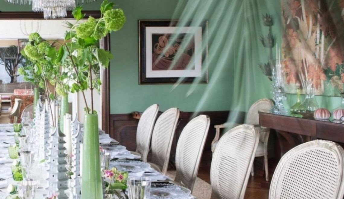 colors 10 Colors That Look Amazing In The Dining Room Area green 1 1140x660