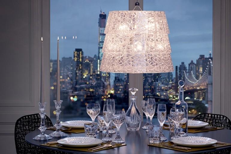 Baccarat Décor Ideas Make The Most Beautiful Dining Tables   www.bocadolobo.com #moderndiningtables #diningtables #diningroom #thediningroom #diningarea #decorideas #luxury #luxurious #luxurydiningroom #luxurybrands #famousbrands #italianbrands @moderndiningtables