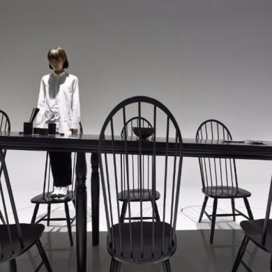 Amazing Optical Illusion Dining Table In Japan | www.bocadolobo.com #moderndiningtables #diningroom #thediningroom #art #diningarea #diningareadesign #luxurybrands #luxuryworld #creative @moderndiningtables