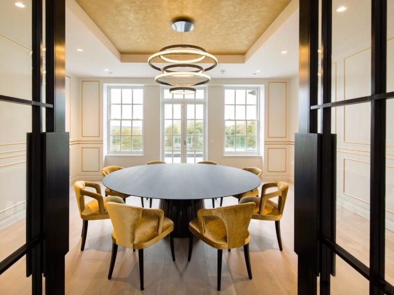 The Best Tips On How To Light a Dining Room   www.bocadolobo.com #moderndiningtables #diningroom #thediningroom #diningarea #diningtables #exclusivedesign #luxuryfurniture #lighting #luxurylighting #lightingtips @moderndiningtables