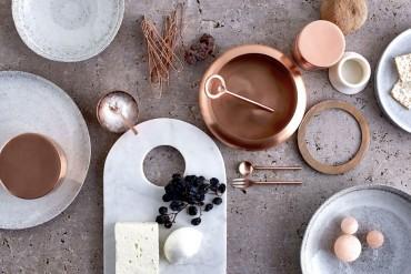The Stunning Infinitude Tableware Collection | www.bocadolobo.com #moderndiningtables #tableset #diningroom #thediningroom #exclusivedesign #luxurypieces @moderndiningtables