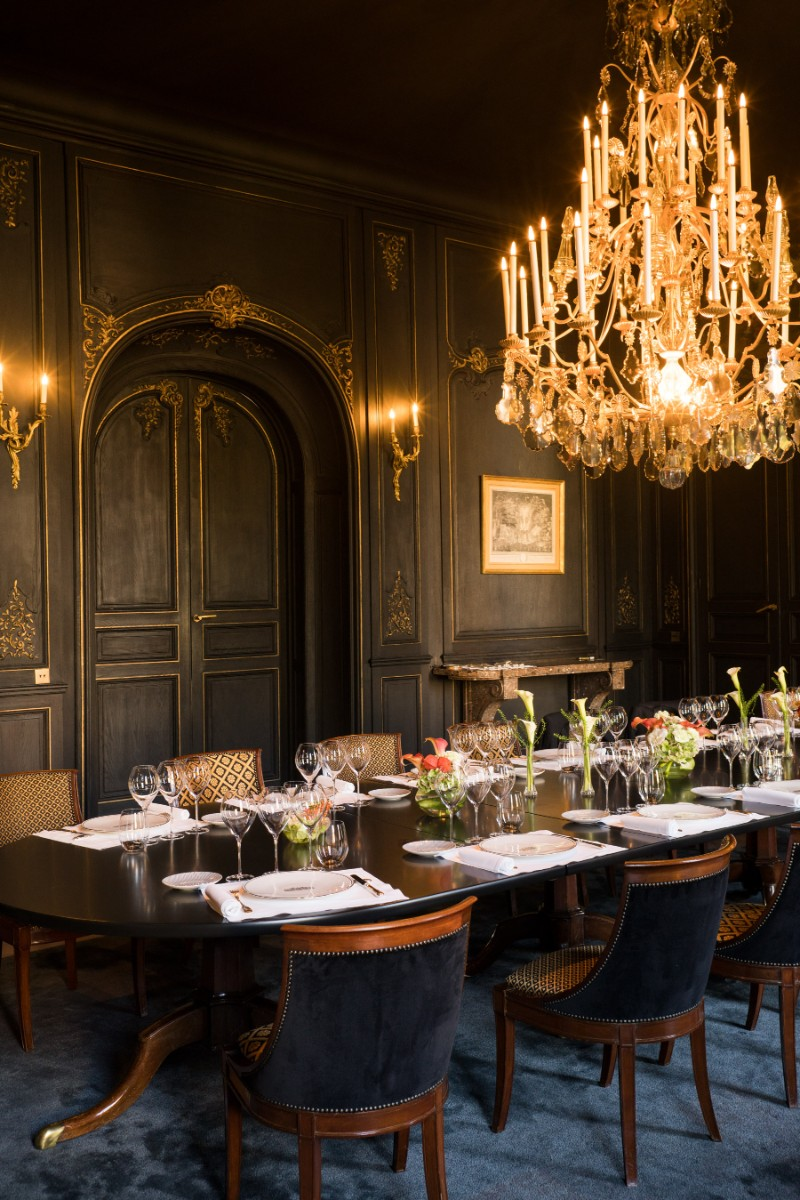 black dining room Take a Look At Some Black Dining Room Ideas Hotel du Marc 06
