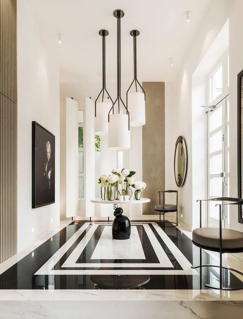 Black and White Entryway Decor Ideas You'll Fall In Love entryway decor Black and White Entryway Decor Ideas You'll Fall In Love Mel Yates Kelly Hoppen Auction House 2 1