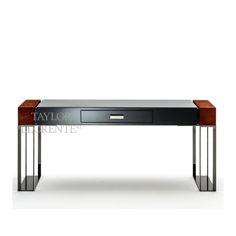 Luxury Console Tables With Drawers by Taylor Llorente console tables with drawers Luxury Console Tables With Drawers by Taylor Llorente design console table black lacquered 02