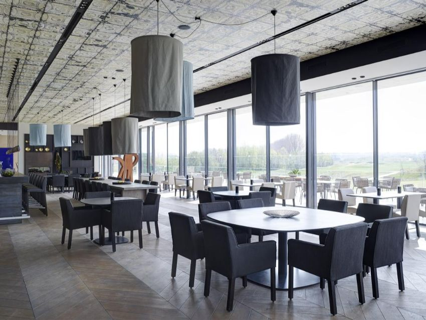 Luxurious Restaurant's Room Design by Studio Piet Boon luxurious restaurant Luxurious Restaurant's Room Design by Studio Piet Boon design project restaurant nl the international amsterdam golf club kekke table rp 015 big