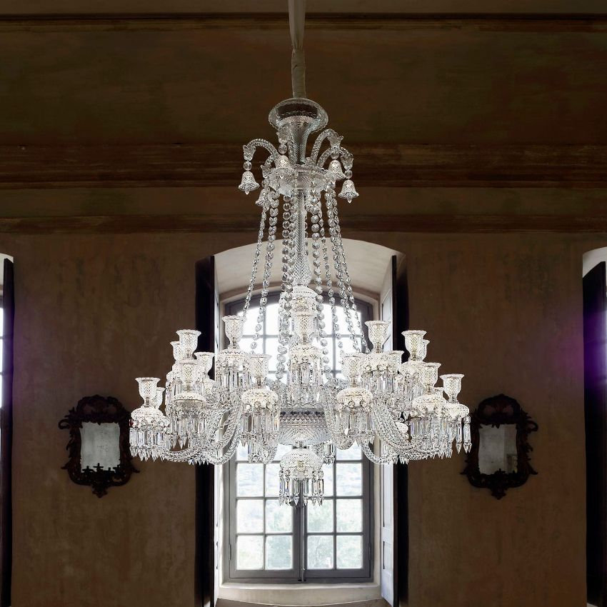 25 Modern Chandeliers That Will Make A Striking Impact modern chandelier 25 Modern Chandeliers For An Art-Filled Home Luxury Chandeliers for a Modern Dining Room 10 names you need to know 1